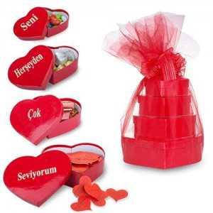 Kalp kutularda sevgiliye aşk kulesi